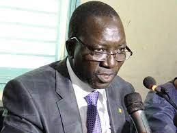 «… les salaires des autorités de la transition devraient être divisés par 100. Sans cela, que nul ne compte sur l'UNTM pour ne pas mettre de l'incandescence dans ses actions de défense des intérêts des travailleurs», dixit le secrétaire général de l'Union Nationale des Travailleurs du Mali