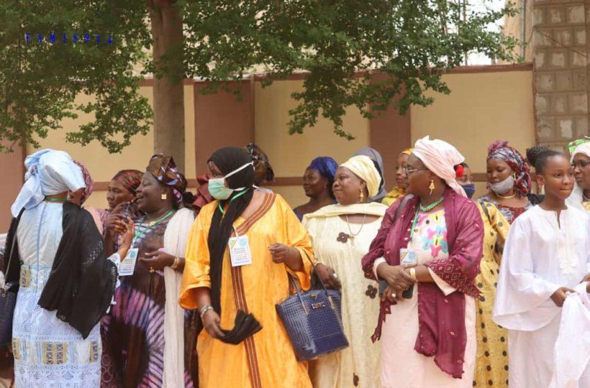 A Tombouctou et Taoudénit, les femmes ont confié leurs peines au ministre de l'administration territoriale, lieutenant Colonel Abdoulaye Maïga