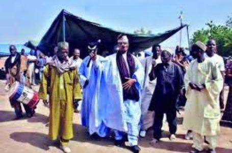Dérapages des jeunes griottes au Mali : les leaders traditionnels échouent-ils à rétablir l'ordre ?